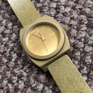 Gold Damask Nixon Time Teller